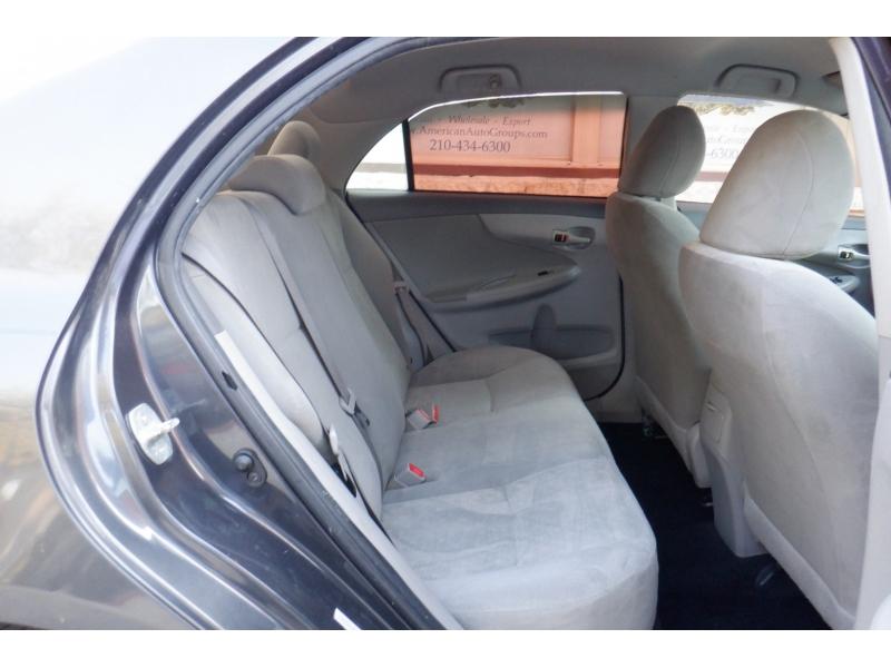 Toyota Corolla 2009 price $3,500