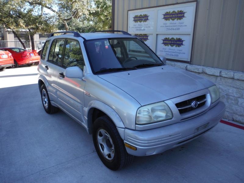 Suzuki Grand Vitara 2000 price $2,300