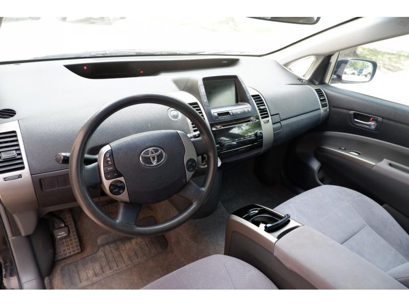 Toyota Prius 2006 price $4,900