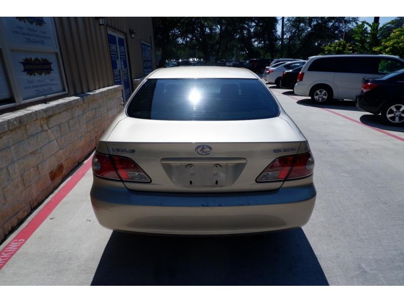 Lexus ES 330 2004 price $4,900