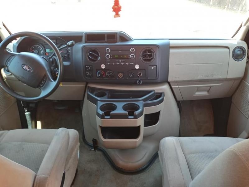Ford Econoline Wagon 2012 price $11,500