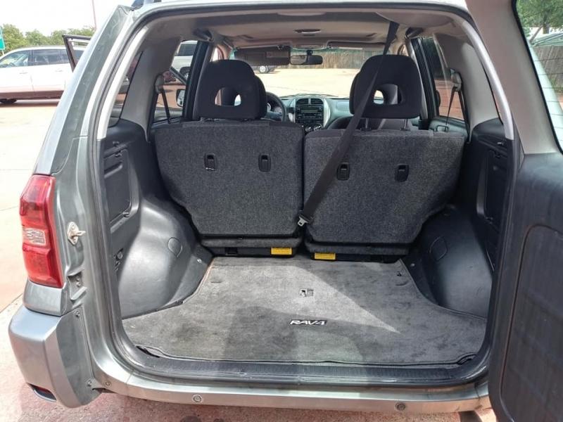 Toyota RAV4 2004 price $4,250
