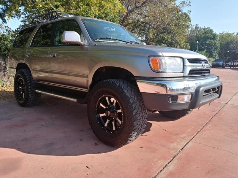 Toyota 4Runner 2002 price $7,950