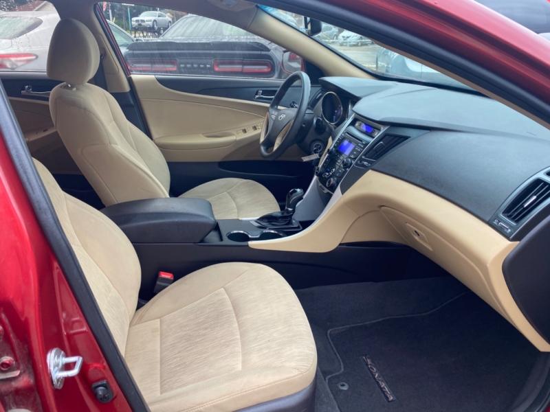 Hyundai Sonata 2012 price $5,600
