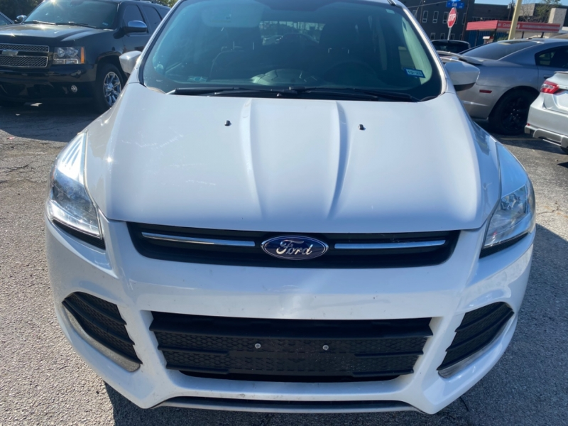 Ford Escape 2016 price $12,750