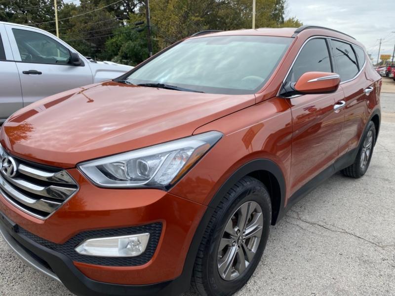 Hyundai Santa Fe 2013 price $9,850