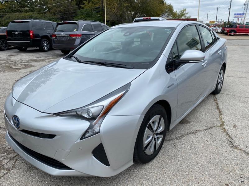 Toyota Prius 2017 price $14,750