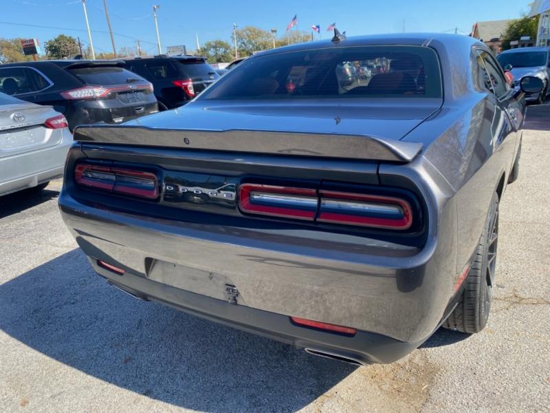 Dodge Challenger 2018 price $26,600