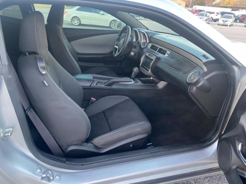 Chevrolet Camaro 2013 price $8,800
