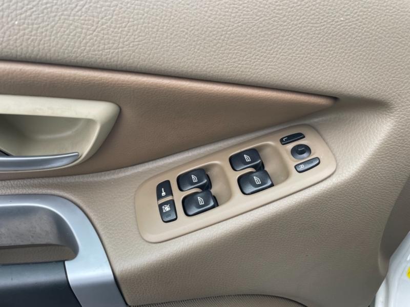 Volvo XC90 2008 price $8,880