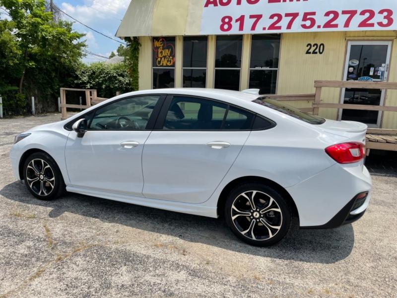 Chevrolet Cruze 2019 price $16,995