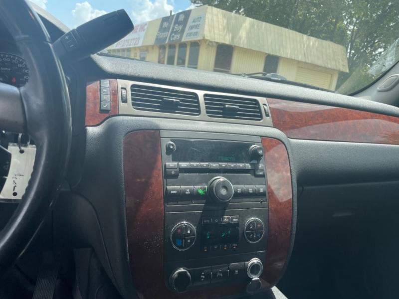 Chevrolet Suburban 2011 price $11,750