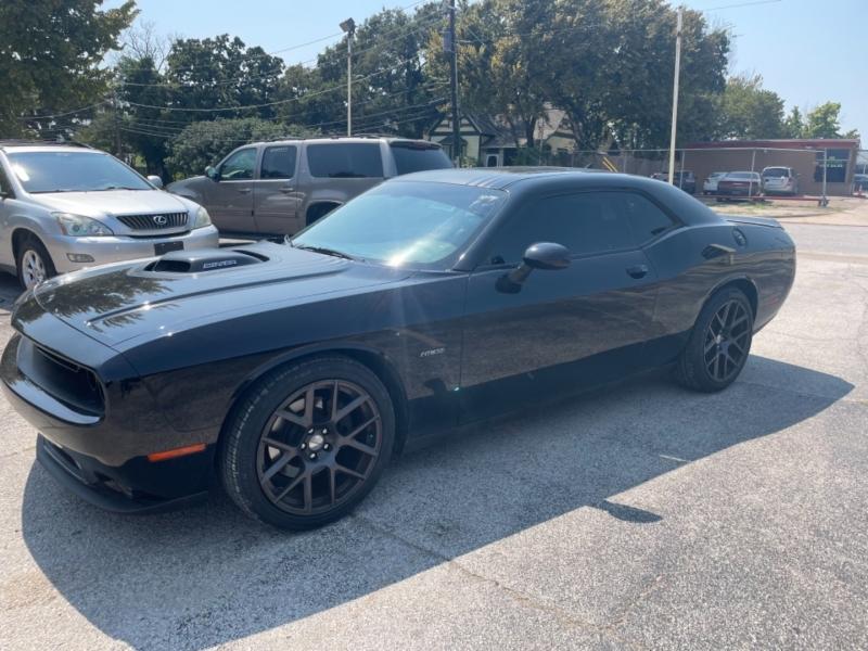 Dodge Challenger 2016 price $28,900