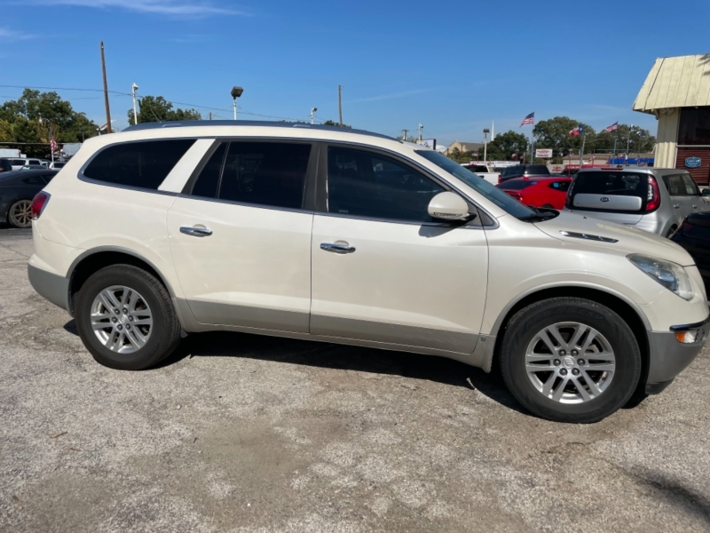 Buick Enclave 2009 price $7,450