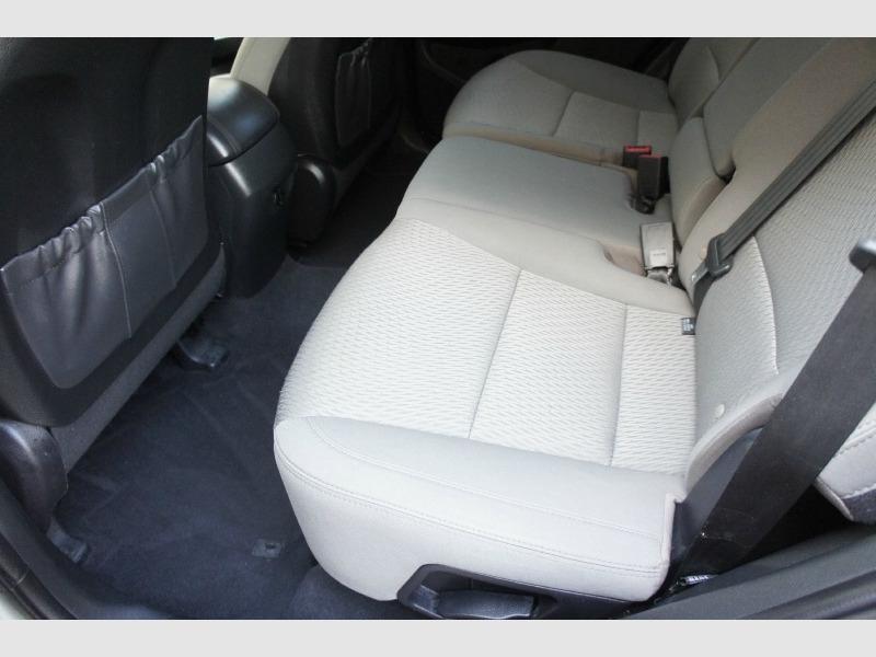 Hyundai Santa Fe 2018 price $15,700