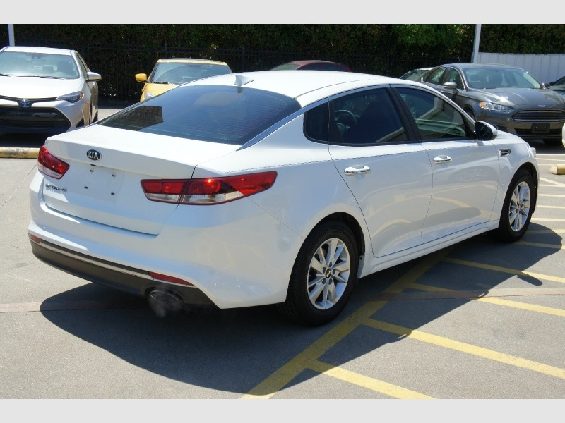 Kia Optima 2017 price $13,700