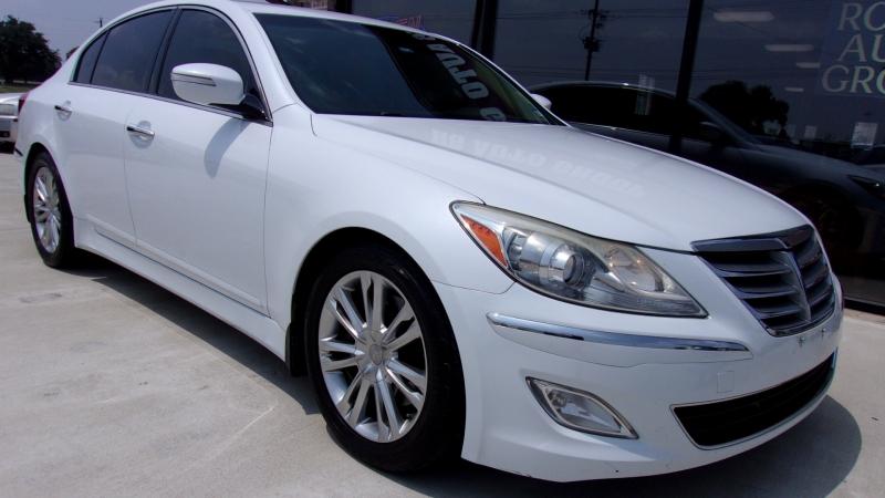 Hyundai Genesis 2014 price $12,999