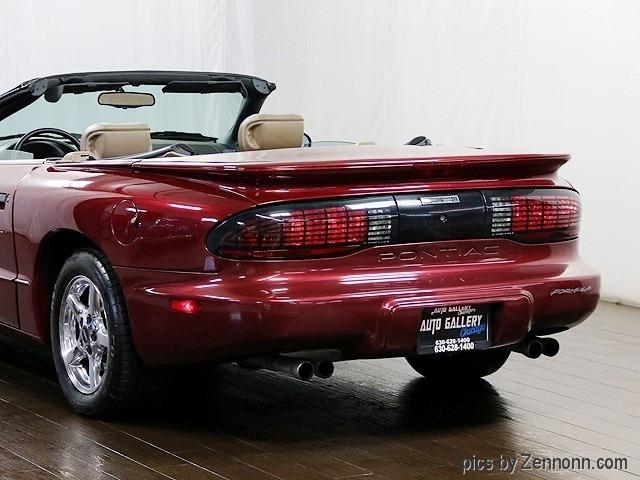 Pontiac Firebird 1995 price $10,990