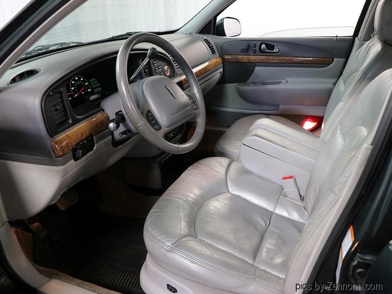 Lincoln Continental 2000 price $3,990