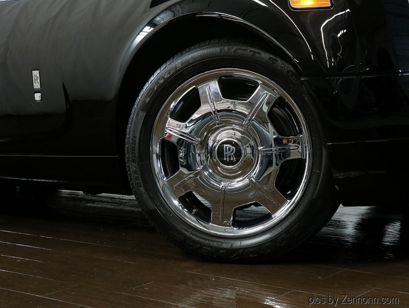 Rolls-Royce Phantom Drophead Coupe 2009 price $189,990