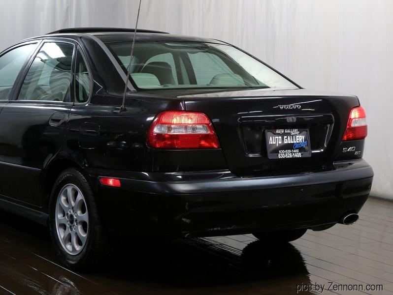 Volvo S40 2001 price $4,990