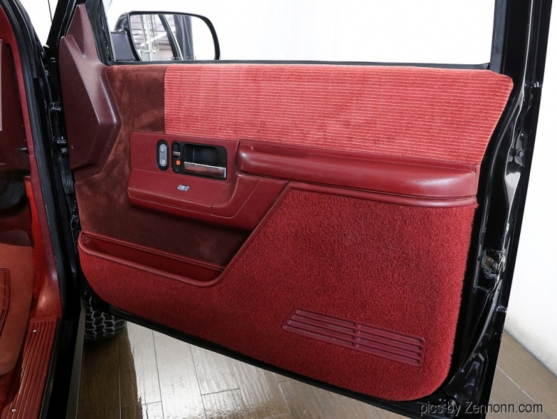 GMC Yukon 1994 price $24,990