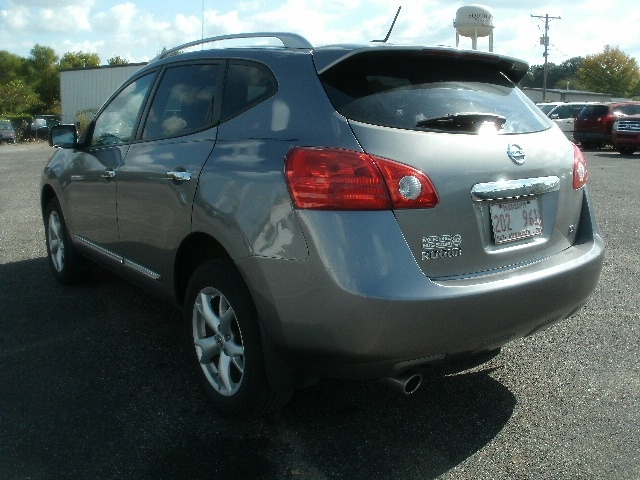 Nissan Rogue 2011 price $7,500 Cash
