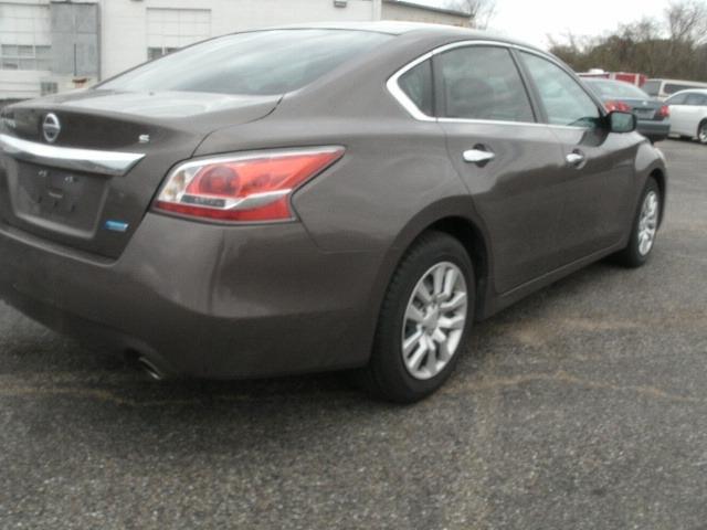 Nissan Altima 2014 price $8,000 Cash