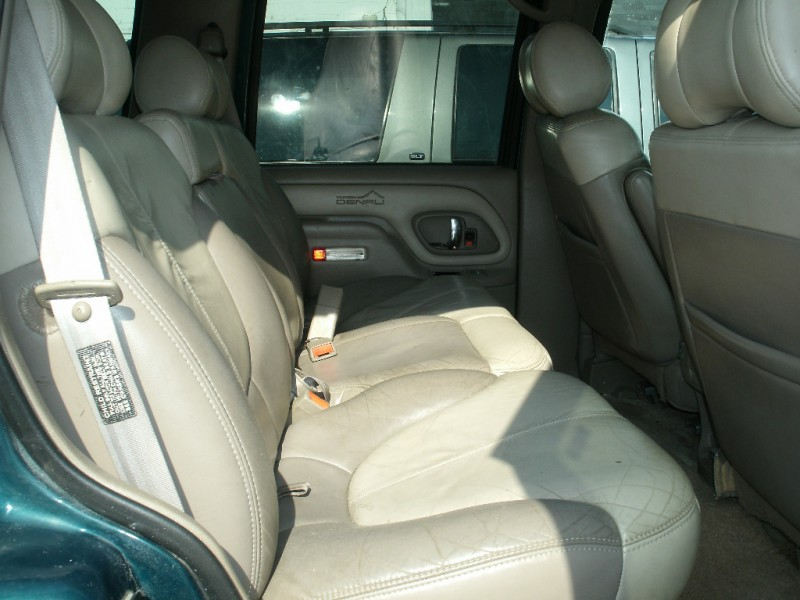 GMC Denali 2000 price $3,500 Cash