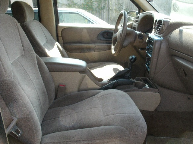 Chevrolet TrailBlazer 2004 price $4,000 Cash