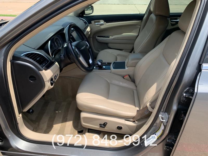 Chrysler 300 2012 price $13,000