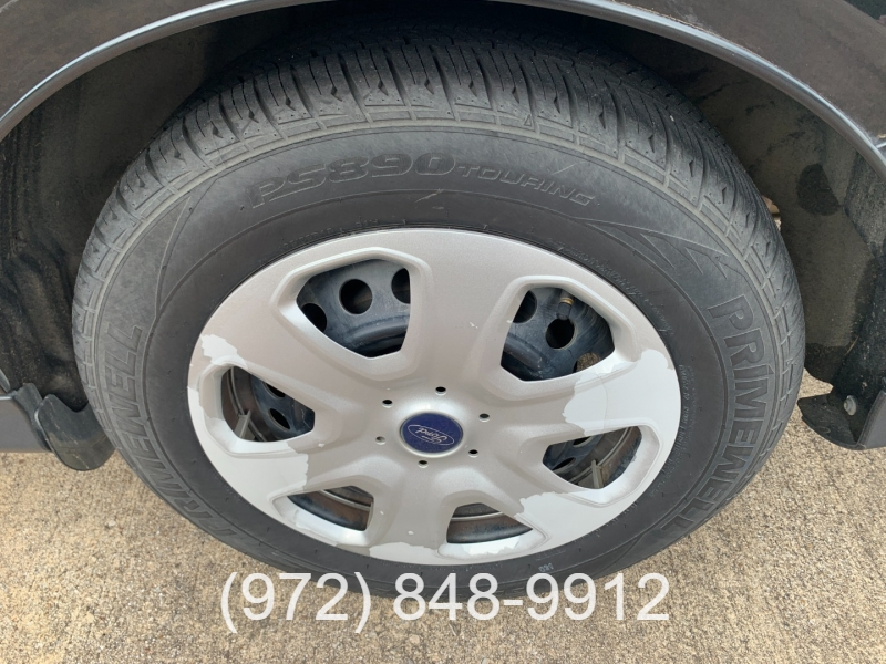 Ford Focus 2013 price $7,500