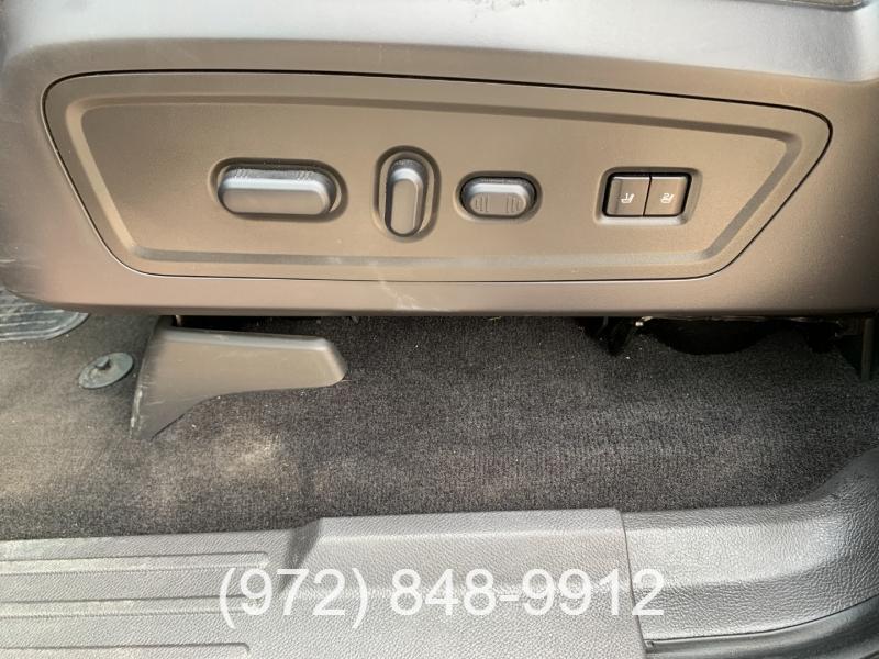 Lincoln Navigator 2011 price $16,500