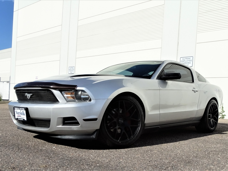 Ford Mustang 2012 price $9,850