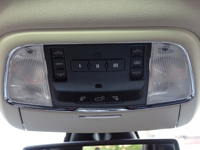Jeep Grand Cherokee 2011 price $15,800
