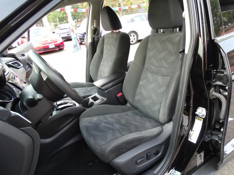 Nissan Rogue 2015 price $12,995