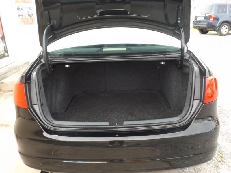 Volkswagen Jetta Sedan 2012 price $7,490