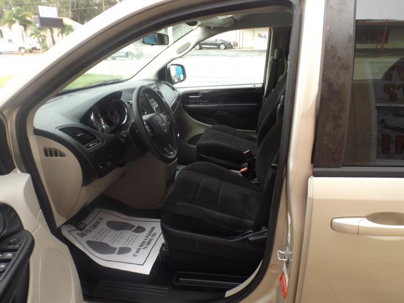 Dodge Grand Caravan 2013 price $8,990