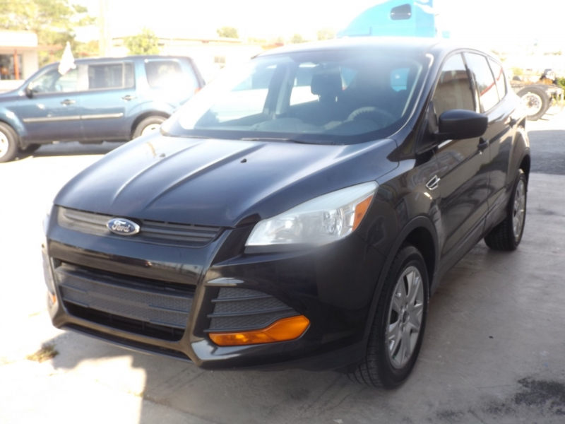 Ford Escape 2013 price $8,990
