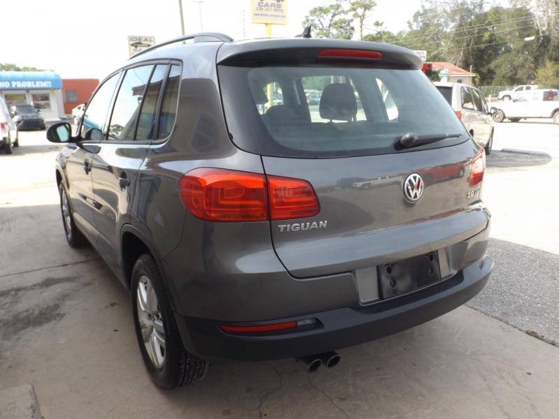 Volkswagen Tiguan 2015 price $9,990