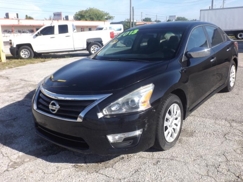 Nissan Altima 2013 price $8,990