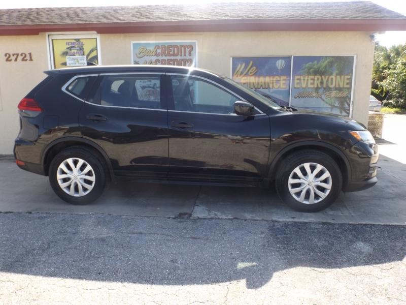 Nissan Rogue 2017 price $15,990