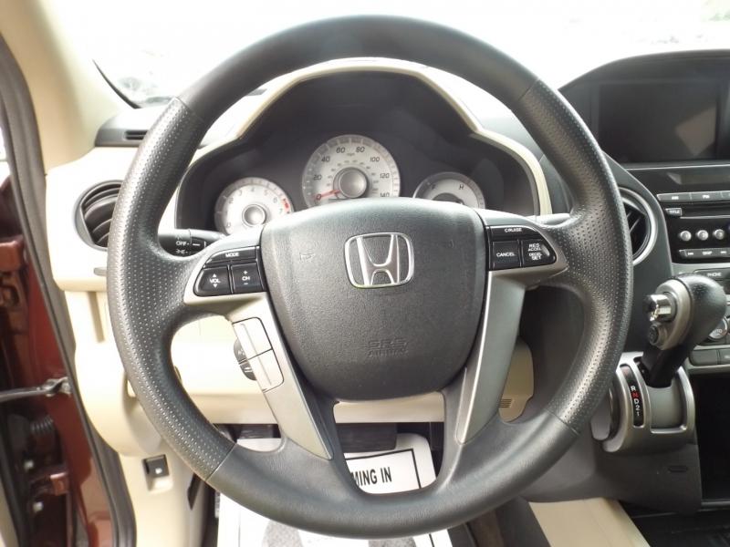Honda Pilot 2015 price $17,990