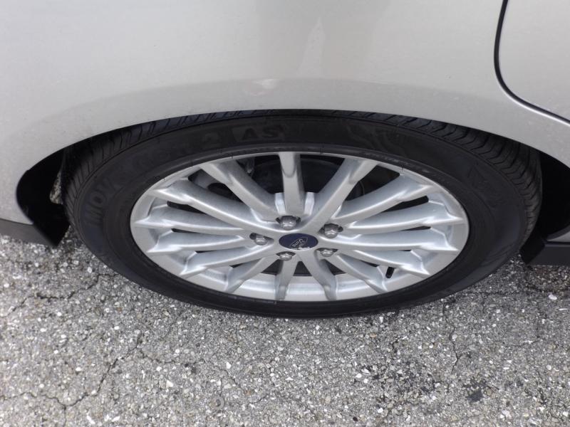 Ford C-Max Hybrid 2013 price $9,990