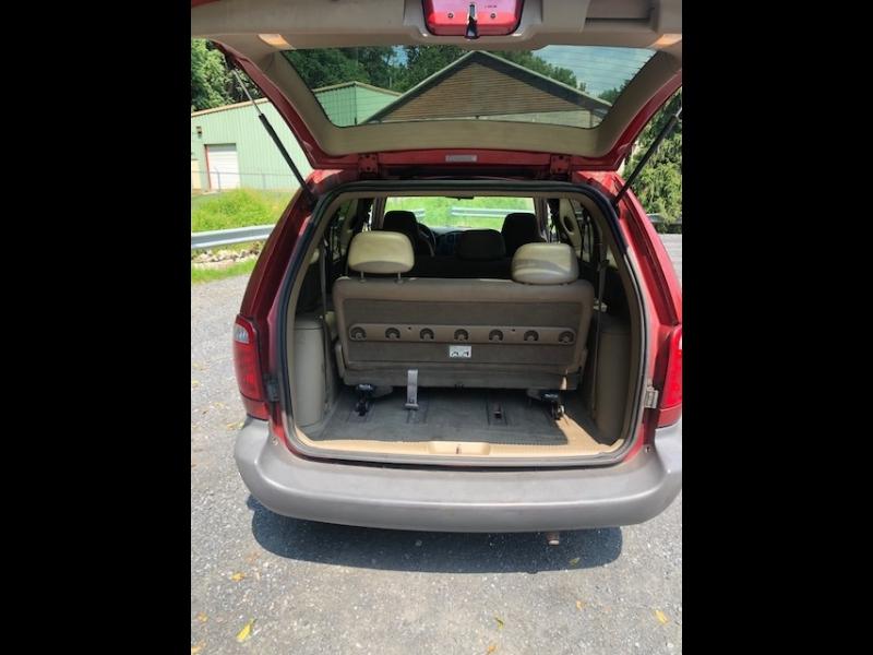 Dodge Caravan 2002 price $3,195