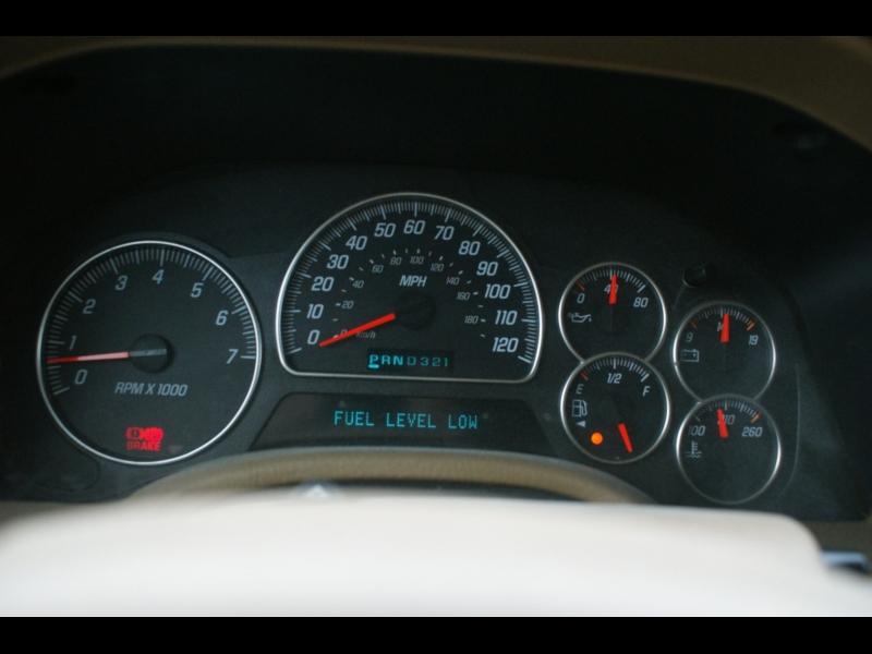 GMC Envoy 2003 price $2995