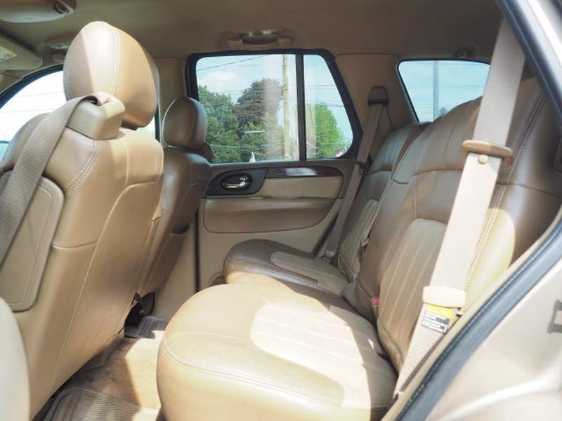 GMC Envoy 2003 price $2,995