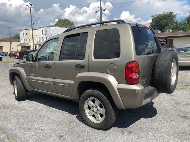 Jeep Liberty 2004 price $1,995