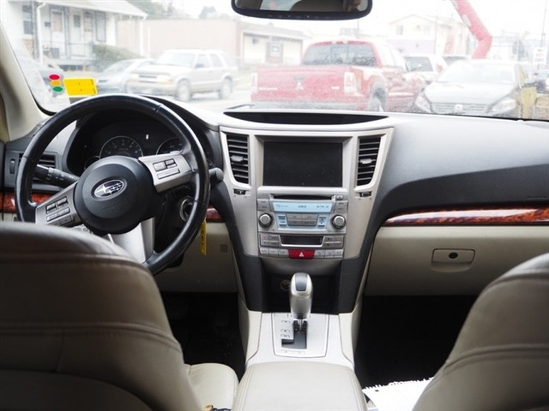 Subaru Outback 2011 price $2,995