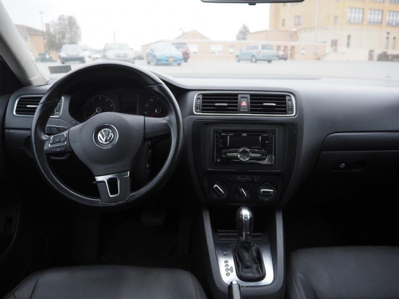 Volkswagen Jetta Sedan 2011 price $5,395